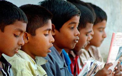 Bambini scuola India